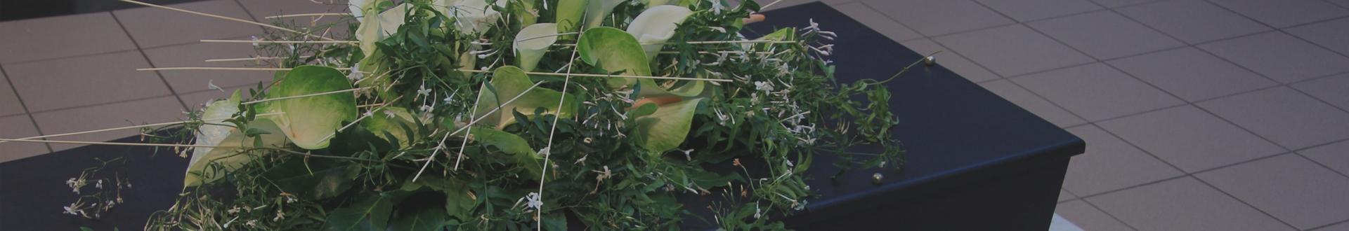 Kwiaty na trumnie