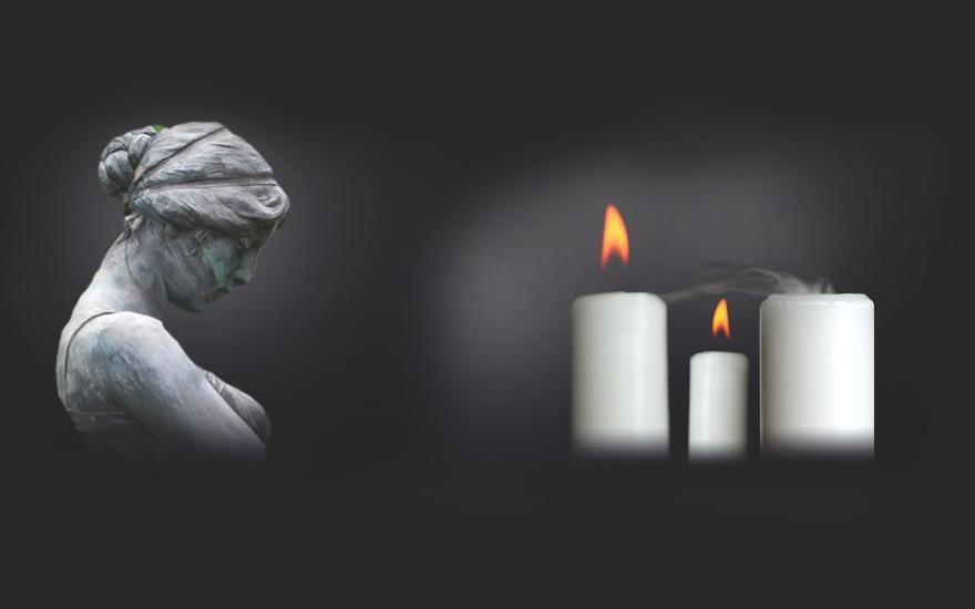 Urna, świece ikwiaty