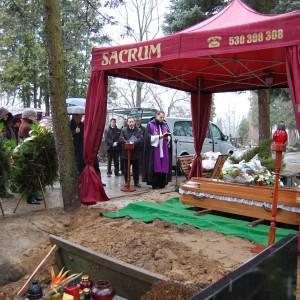 Sacrum bordowy namiot pogrzebowy, trumna, ceremonia