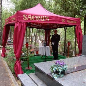 Sacrum bordowy namiot pogrzebowy