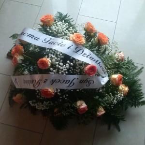 wiązanka pogrzebowa, różowe róże