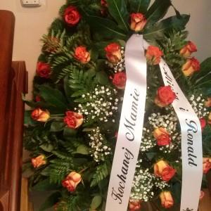 wiązanka pogrzebowa, ozdoby, róże żółto-czerwone